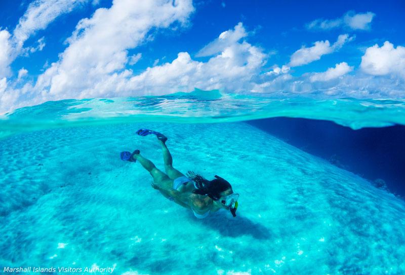 サンゴの楽園でダイビング1-2