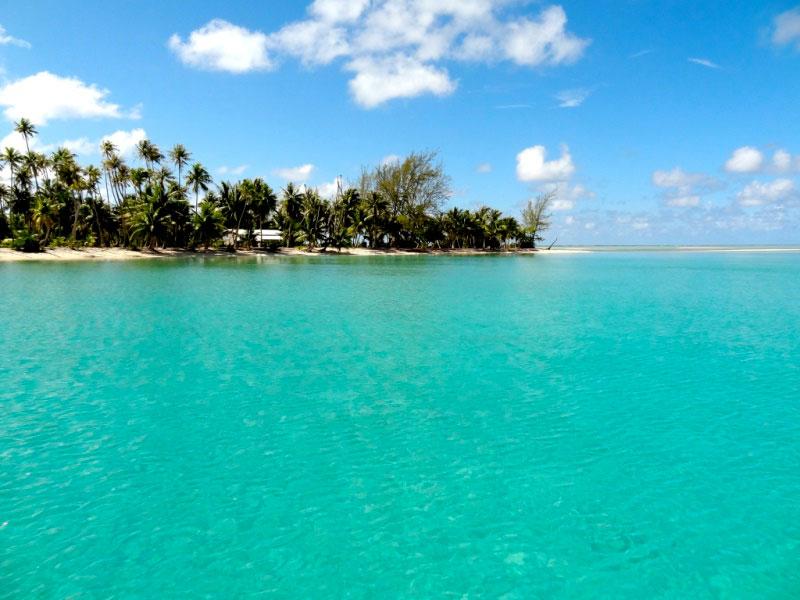 手付かずの自然が魅力の美しい島1-3