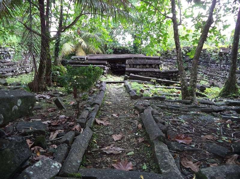 島内観光/ナンマドール&ケプロイの滝1-3