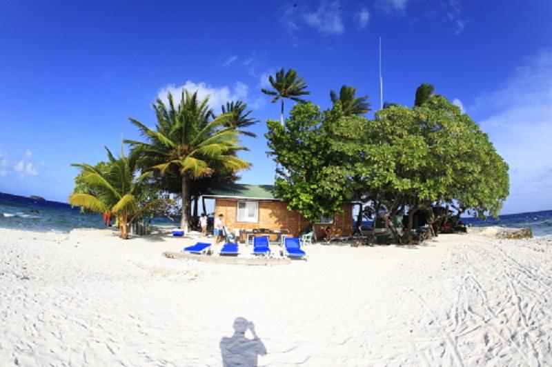 360度美しい海に囲まれたこの小さな島『ジープ島』1-1