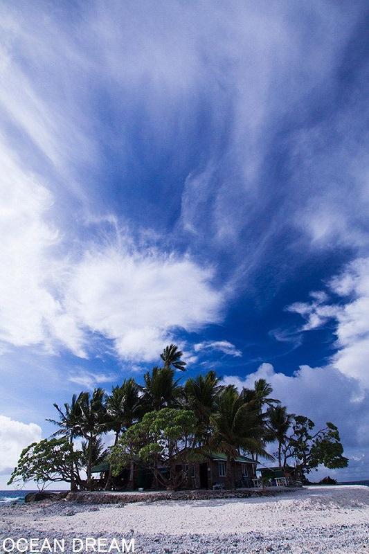 360度美しい海に囲まれたこの小さな島『ジープ島』1-3