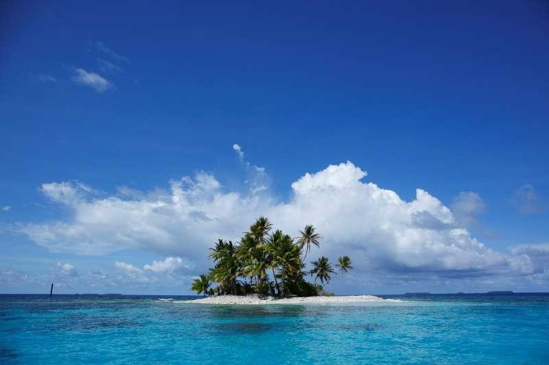 サンゴに彩られた沈潜の沈むチューク!!写真