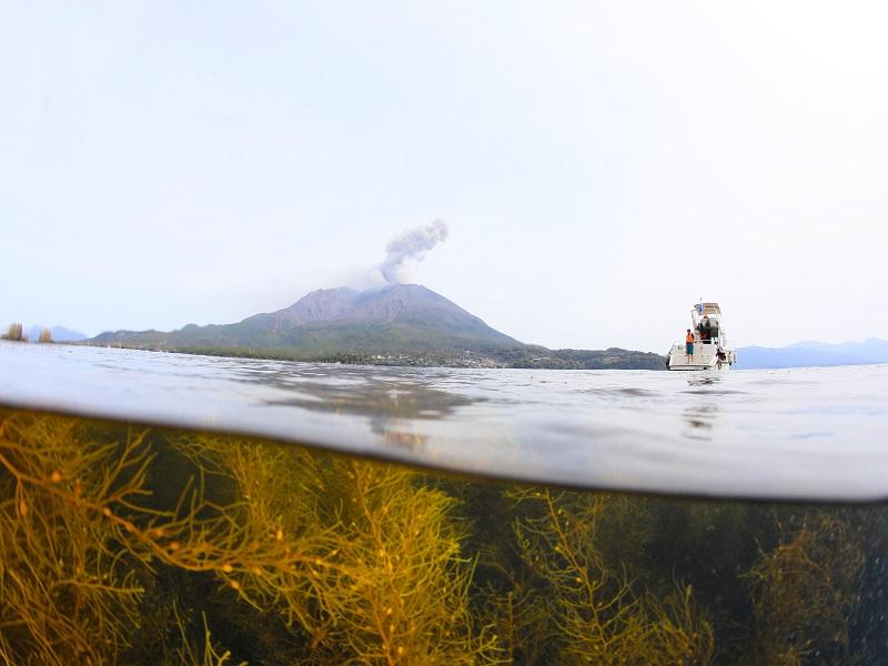 火山の大噴火によりできた海<錦江湾>2