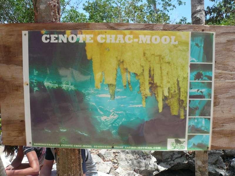 セノーテポイント・チャックモールのカメラ持込み禁止のお知らせ写真